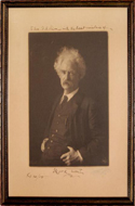 Photograph, black and white bust of Mark Twain